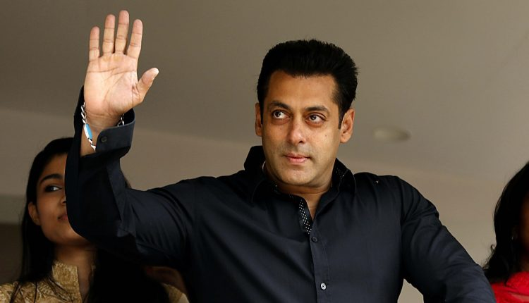 Salman Khan's Presence At Hockey Men's World Cup In Cuttack Charmed The Fans!
